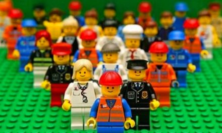 Free The Lego People!